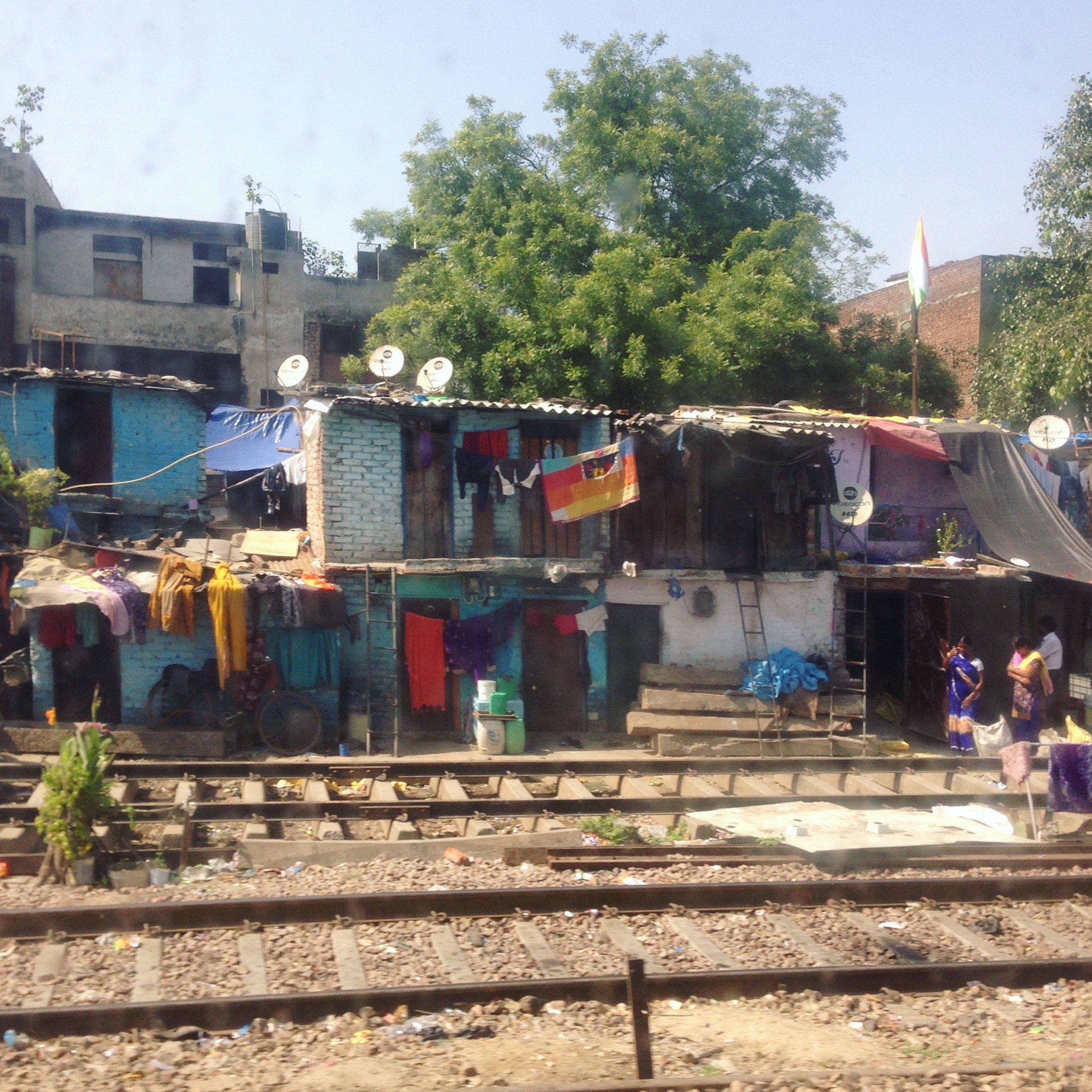 Vue depuis le train Delhi-Jaipur